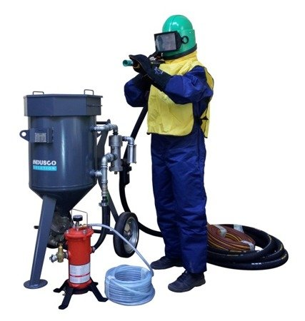 Compressor Atlas Copco XAS 58 Kd and OPTIMAL Clemco package 100L
